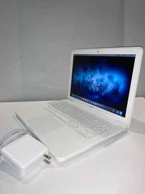 Apple MacBook laptop year 2010 | Core 2 Duo | 13 inches | 250GB | 4GB | DVD | Charger + Battery | macOSX High Sierra for Sale in Doral, FL