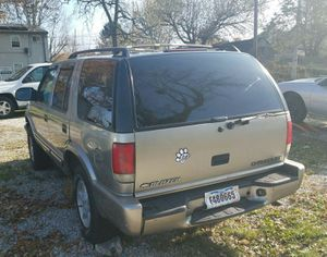 2000 chevy blazer. Needs motor for Sale in Solon, OH