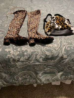 LEOPARD PRINT BOOTS AND BACK PACK for Sale in Riverview, FL