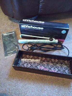 Stylehouse hair straightener for Sale in Garland, TX