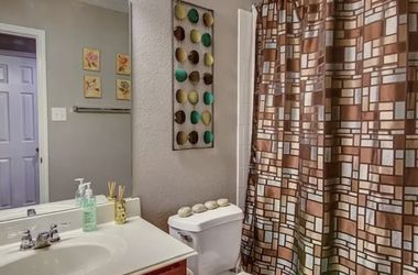 Bathroom Set for Sale in Dallas,  TX