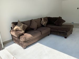2 piece Sectional & Pillows Chocolate! $285 GREAT CONDITION. for Sale in Houston, TX