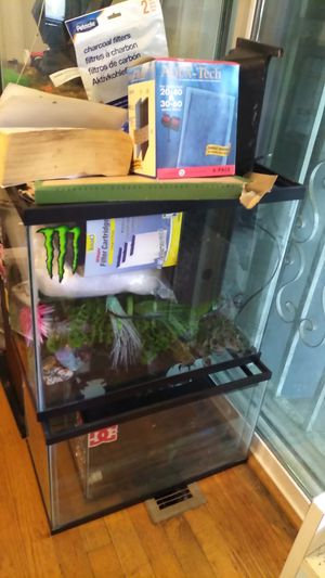 Fish tanks n supplies for Sale in Portland, OR