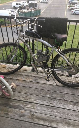 80 cc motorized bicycle for Sale in Brick, NJ