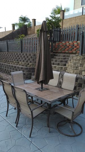 Outdoor patio table and chairs for Sale in Santee, CA
