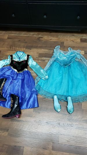 Anna and Elsa outfits with shoes for Sale in Riverview, FL