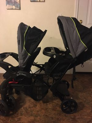 Sit N' Stand Double Stroller for Sale in Fort Myers, FL