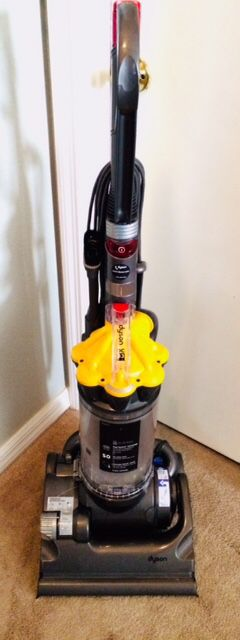 Dyson DC33 Multi-Floor Upright Bagless Vacuum for Sale in FL, US