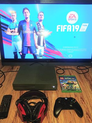 Battlefield edition Xbox one s slim 1tb HD and 37inch 1080p led tv combo for sale for Sale in Los Angeles, CA