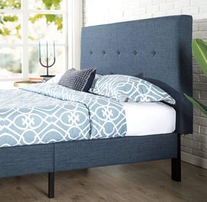 Queen bed frame for Sale in Hamilton, OH
