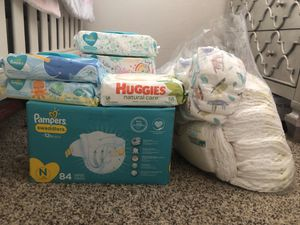 Pampers and Huggies diapers and wipes for Sale in Orlando, FL