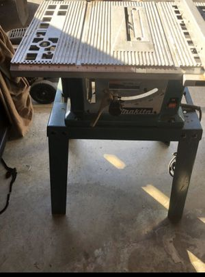Makita 2708 table saw with stand for Sale in Hayward, CA