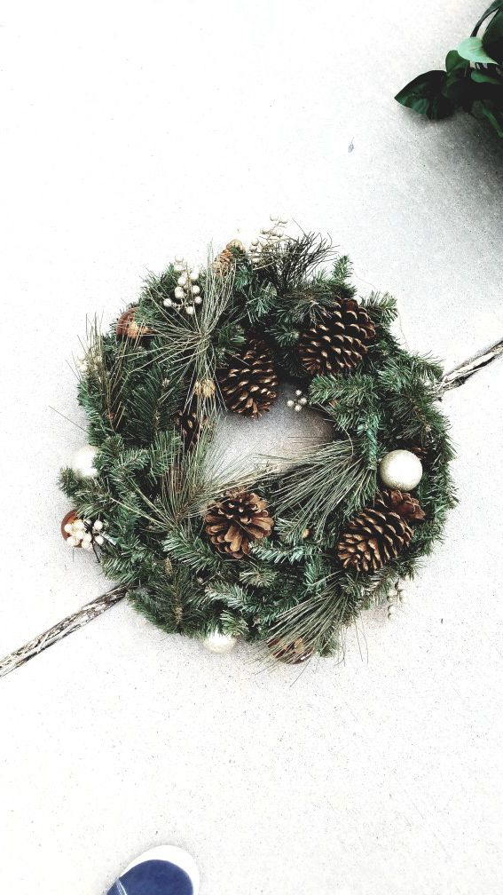 Fake plants and wreaths