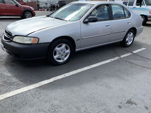 2001 Nissan Altima GXE automatic 175k miles run great Great on gas for Sale in Puyallup, WA