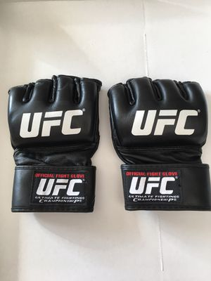 Official UFC Gloves size Large for Sale in Hilliard, OH
