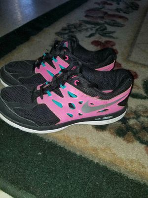 Nike girls size Youth 4 for Sale in Duncanville, TX