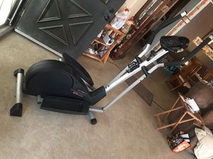 Exercise machine Cardio cross elliptical Pro Form Cardio cross 675 Trainer Elliptical Cross trainer elliptical for Sale in Carson, CA