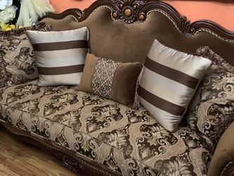 3 Piece Living Room Couch + Pillows for Sale in Pennsauken Township,  NJ