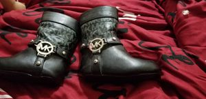Mk baby girl boots for Sale in Chicago, IL