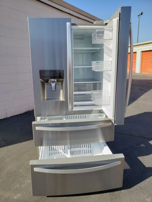 REFRIGERATOR KENMORE for Sale in CRYSTAL CITY, CA