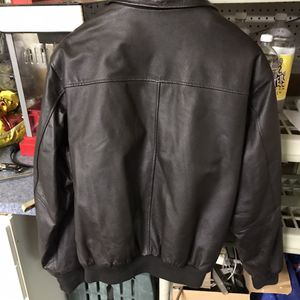 Snap-on tools jacket. Leather. Large for Sale in Brecksville, OH