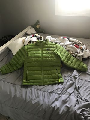 Patagonia green puffy sweater for Sale in Fontana, CA