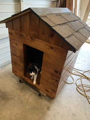 Cedar Dog House for Sale in Hubbard, OR