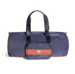 Original Guess Duffle Bag, Gym Bag for Sale in Puyallup,  WA