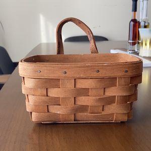 "Small Longaberger basket 1991 7""/5"" Preowned for Sale in Bennington, NE"