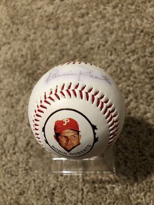 Philadelphia Phillies Robin Roberts Signed Fotoball with career stats on it for Sale in Mesa, AZ