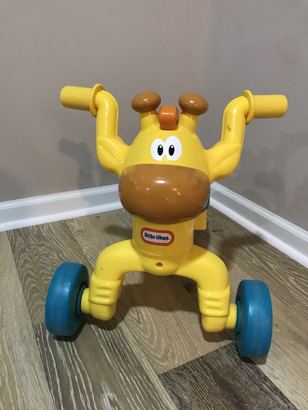 Little Tikes Go and Grow Lil' Rollin' Giraffe Ride-on