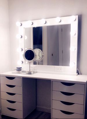Makeup vanity ✨ for Sale in Hawthorne, CA
