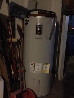 Fairly new Bradford White 80 gallon water heater for Sale in Aiea, HI