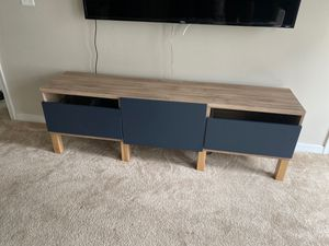 Tv stand for Sale in Upper Marlboro, MD