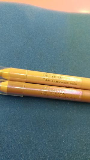 Girlactik Beauty 3-in-1 Lip Sparkle Balm Duo in Periwinkle and Twinkle for Sale in Pensacola, FL