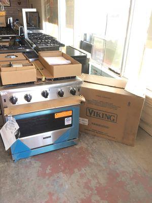 New Viking Professional Appliance Set for Sale in Bonita, CA