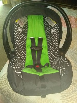 Evenflo Embrace 35 Car Seat W/ Base for Sale in Chattanooga, TN