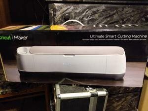New Cricut Maker(bundle) accessories and vinyl. for Sale in Draper, UT