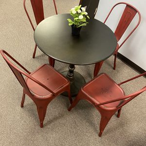 Dining Room Table & 4 Chairs for Sale in Columbia, SC