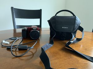 Red Nikon Coolpix L830 with camera bag - used once! for Sale in Burlington, MA
