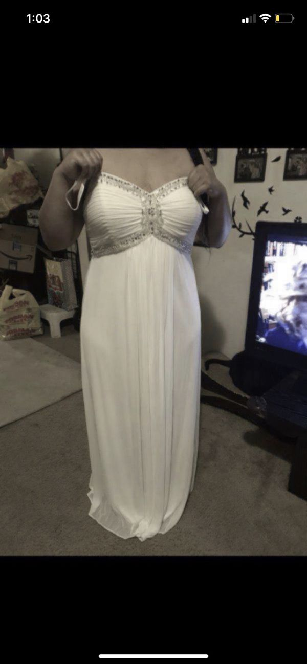 Dave and bridals size 18 wedding or prom dress can also be worn as a maternity dress in great condition only worn once