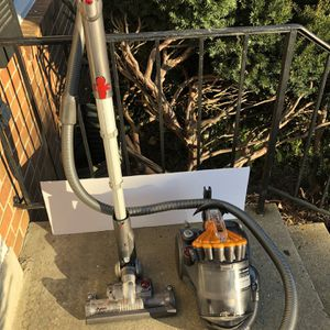 Dyson vacuum DC23 for Sale in Gaithersburg, MD