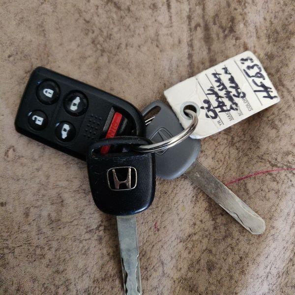 2006 Honda Odyssey Key Fob And Keys!