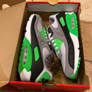 NEW Nike Air Max 90 Lime Green - Mens Size 11 for Sale in Arlington, VA