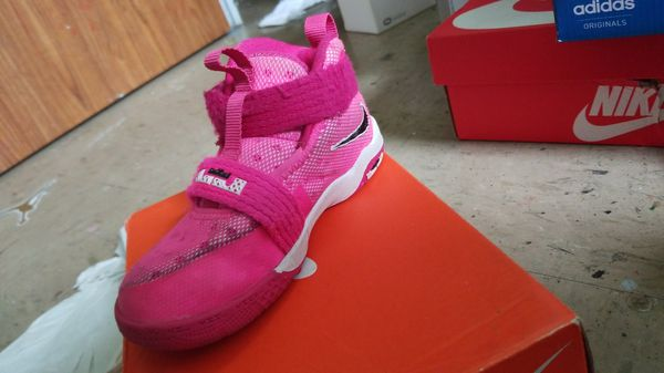 9afc8aef36c Lebron soldier 10 size 10C for Sale in Brooklyn