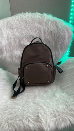 Small Olive green bag for Sale in Houston, TX