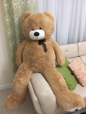 5 Ft Giant Teddy Bear! 10/10 conditions for Sale in Pembroke Pines, FL