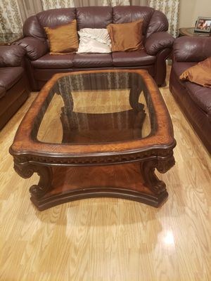 Coffee table and side tables for Sale in Sacramento, CA