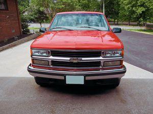 Excellent Tires 98 Chevy Silverado for Sale in San Antonio, TX