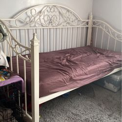 twin daybed bed frame for Sale in Hayward,  CA